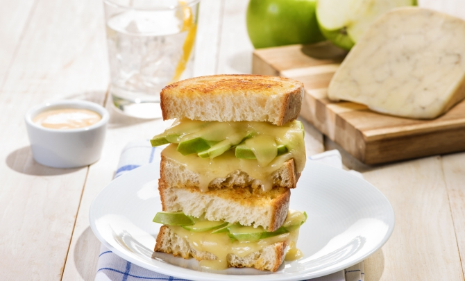 Apple and Dijon Grilled Cheese Sandwiches