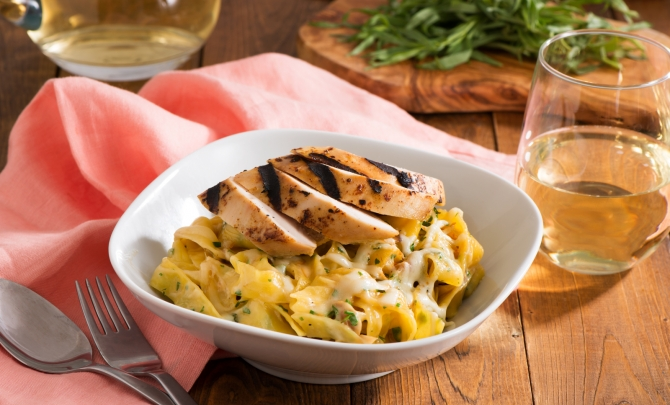 Creamy Chicken and Caramelized Onion Pappardelle